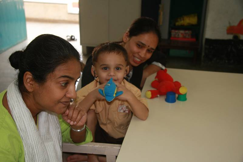 Deepali having AVT session with Rudra and mother